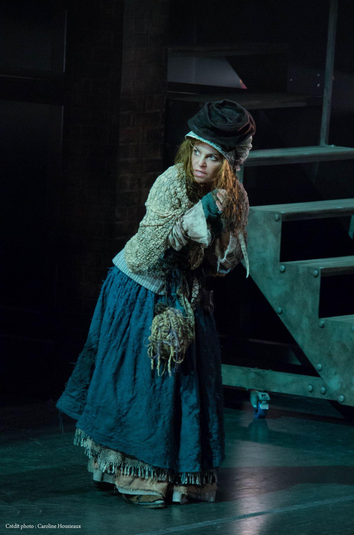 Sabrina Ferland incarne Lucy Baker